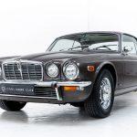 Jaguar XJ 12C bruin-