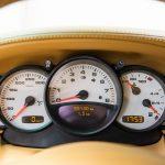 Porsche 996 Carrera 4S geel-9170